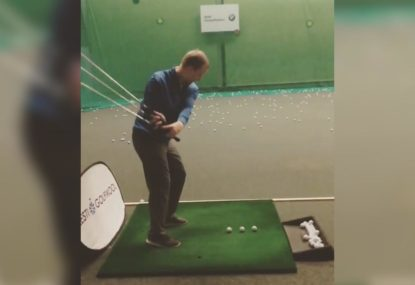 3 clubs, 3 balls... 1 Swing