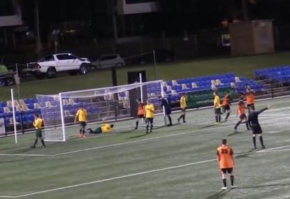 Corner kick swerves its way directly into the goal