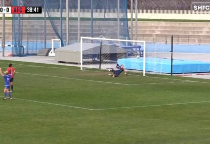 One-touch curler sneaks over the line for brilliant opener