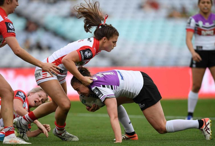 Jessica Sergis for the Dragons in the NRLW
