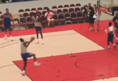 130-kilogram Freshman dunks from the free throw line with absurd ease
