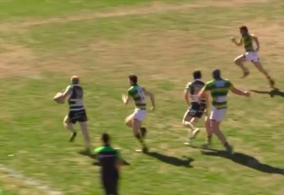 Ridiculous pass around the corner sets up brilliant try down the blindside