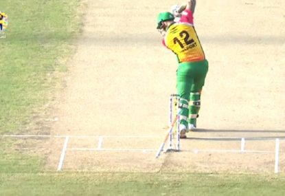 South African batsman presents: How not to start a T20 final