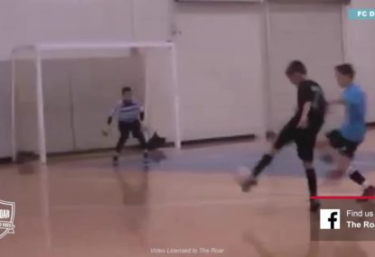 Keeper repels a canon of a shot from attacker