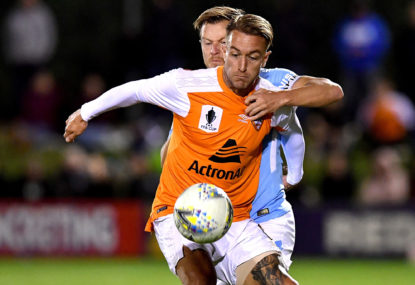 Brisbane Roar deal Adam Taggart to Asia