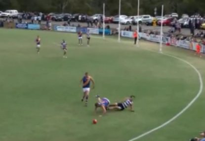 VFL footballer knocked into next week by shocking head clash