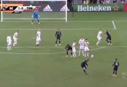 Rooney winds back the clock with stunning free kick