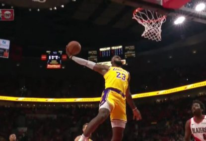 LeBron James kicks off Lakers debut with two thunderous dunks in 30 seconds