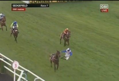 Horse in winning position bizarrely throws jockey