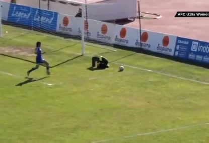 Footballer ruthlessly takes advantage of opponent's injury to score goal