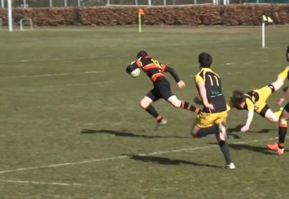 Number 8 sets up incredible try from perfect line