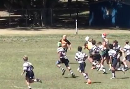 Young beast beats an entire team with ease for superb runaway try