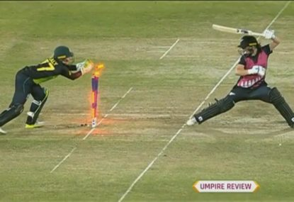 NZ player doesn't even wait for review after Healy's lightning glovework