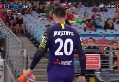 Wanderers goalie's Hall of Fame level brain fade sees him sent off