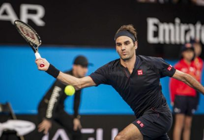Federer cruises into second round in Paris