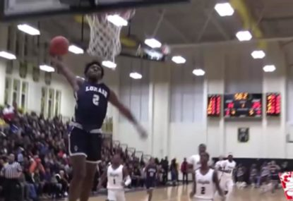 Stunning missed dunk sends the crowd into hysterics