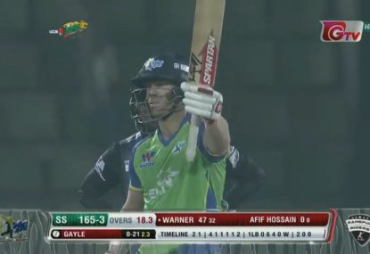Dave Warner remarkably switches to right handed and still punishes Chris Gayle