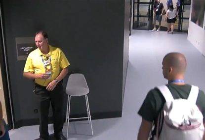 Roger Federer seemingly stopped by security for not wearing accreditation