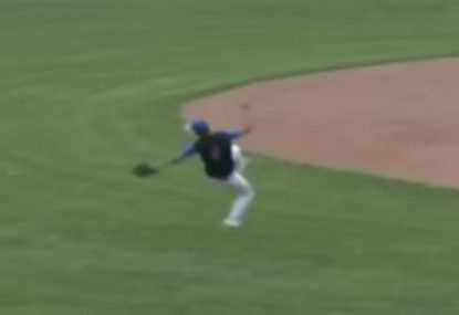 Future MBL star reels in incredible over-the-head catch