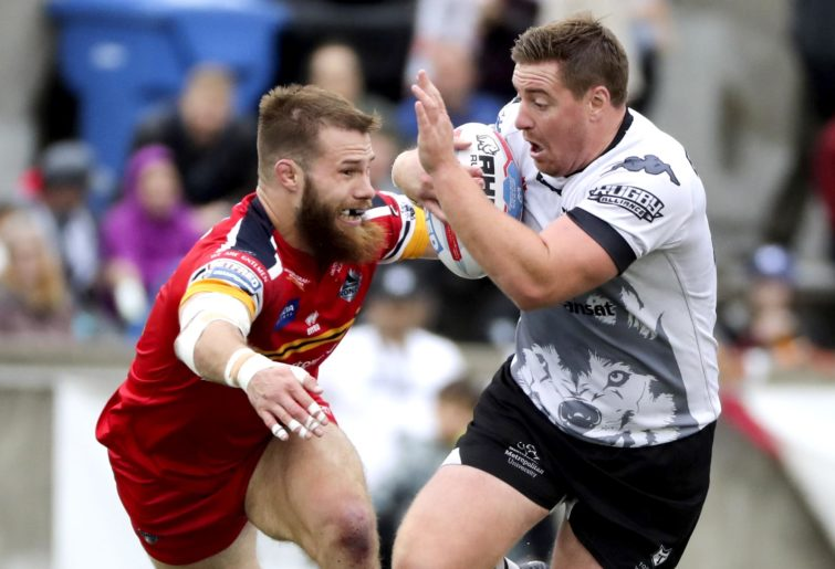 London Broncos defeat Toronto Raptors to make it back into the Super League.