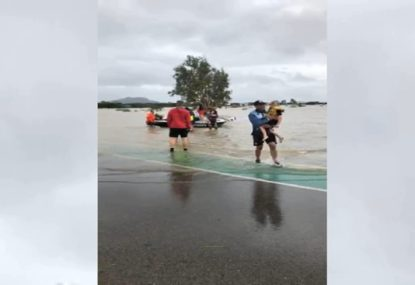 Cowboys duo help rescue people caught up in Townsville floods