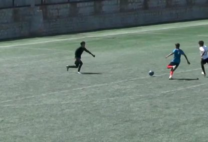 Hilarious air-swing from charging goalie is a costly blooper