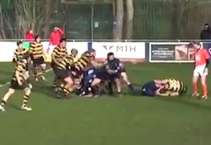 Two players get unceremoniously sent to the bin for classic ground scuffle
