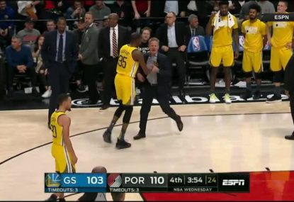 Golden State coach has massive meltdown after refs upgrade foul on one of his players
