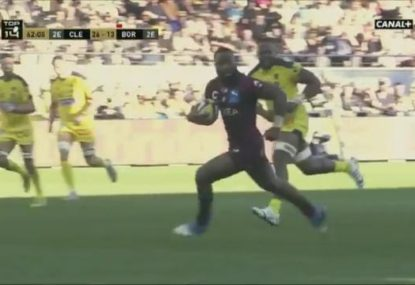 Semi Radradra shows some sizzling sidestepping to finish off an amazing try