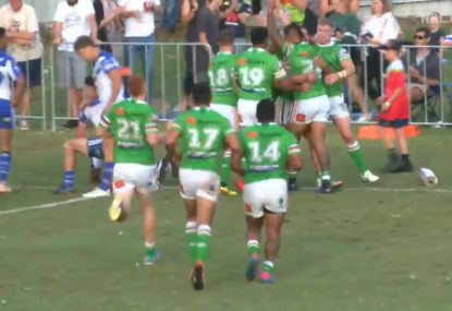 Raiders defeat the Bulldogs off the back of comically dodgy try