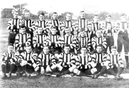 In 1907, Collingwood 'stunned the footy world' by incorporating bare knees into their uniform