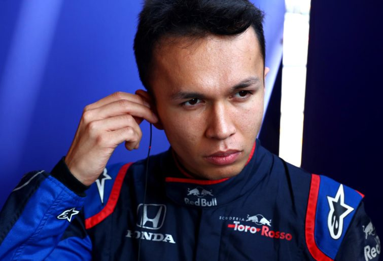 Elbows-out Albon turns the heat on Gasly