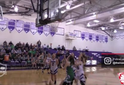 Highschool genius produces stunning no-look layup