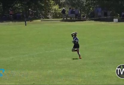 Runaway Rooster scoops up wayward pass to score cheeky try