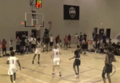 Rising basketball star lays down savage one-handed dunk