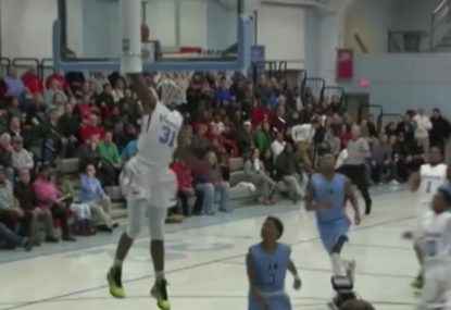 Baller sends down massive one-handed jam