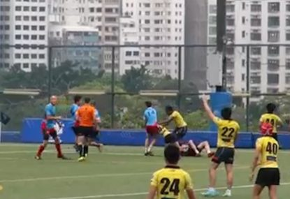 Savage headlock tackle has defender seeing yellow