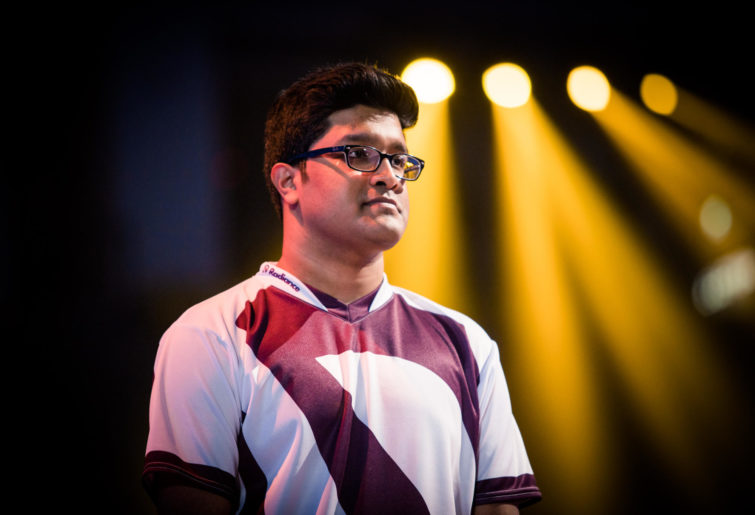 America's muzzy (Muzahidul Islam) on the stage at the HCT World Championship in Taiwan