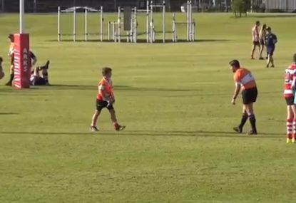 Referee begs for water in toasty conditions