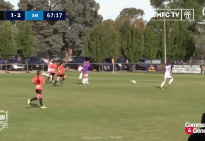 HUGE blunder by keeper results in easy goal for opposition