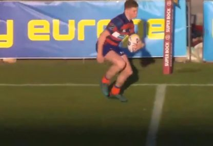Fleet-footed fullback's dirty sidestep leaves defenders red-faced