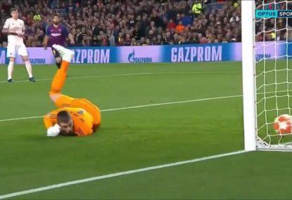 David de Gea's shocking howler hands Messi a 'gift'