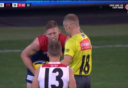 Razor Ray holds up play to give Dees defender a talking to