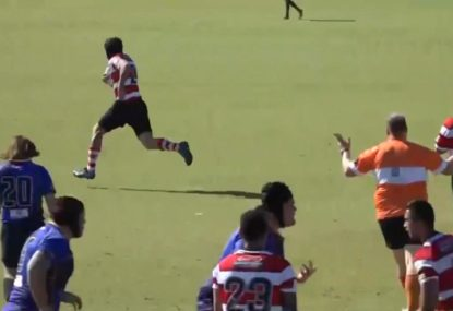 Defender commits daylight robbery to score glorious intercept try