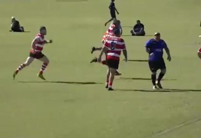 Energizer Bunny punishes mid-range clearance kick with rapid fire try