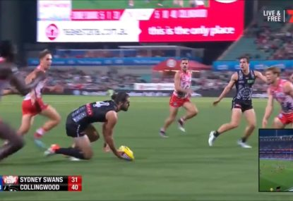 Brodie Grundy proves that even the best ruckmen can still have 'ruckman moments'
