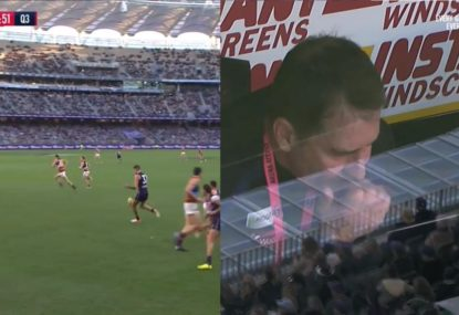 Rory Lobb forgets he's a ruckman with disastrous results