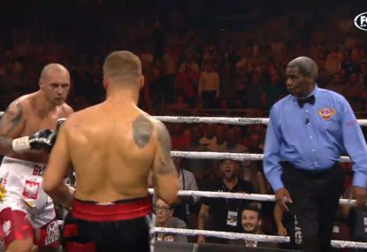 'Come on referee!': Madness as bout continues after bell