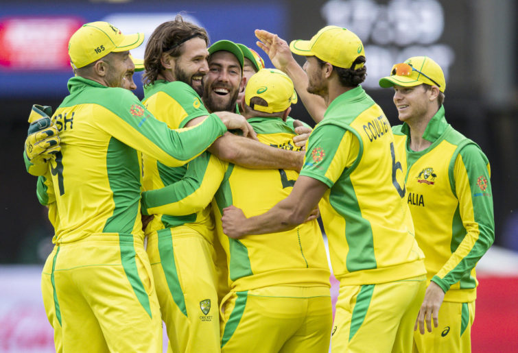 Glenn Maxwell celebrates with teammates