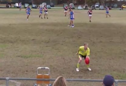 Player makes the most of boundary umpire's short throw in